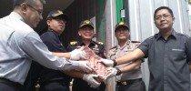 Bongkar mafia daging impor ilegal, Bea Cukai amankan lima orang