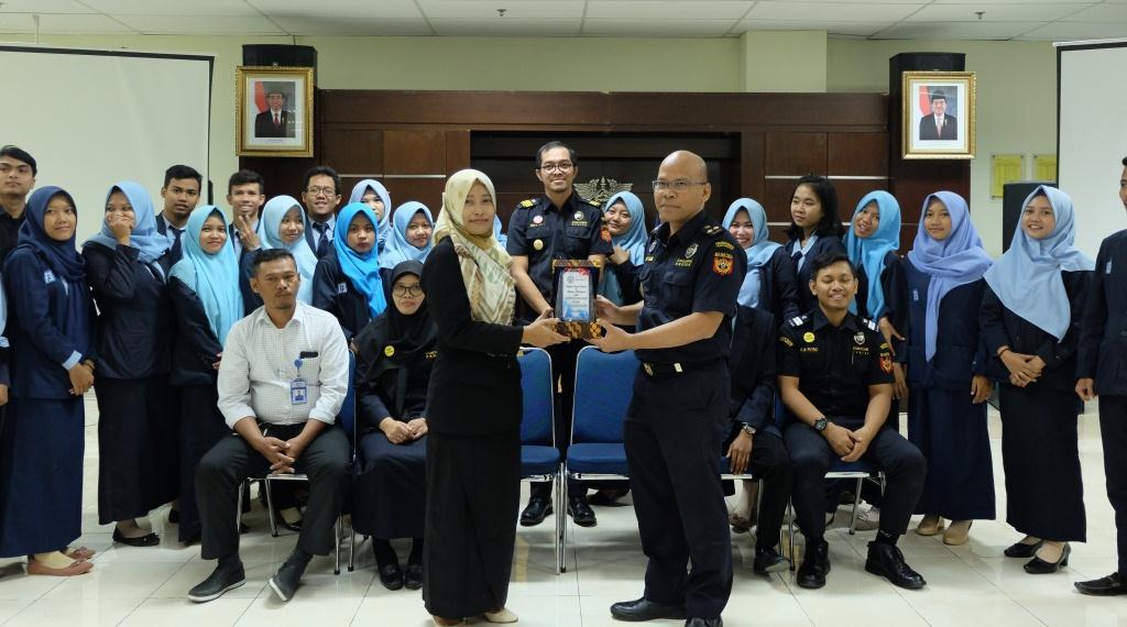 Belajar Bea Cukai bareng LP3i Semarang