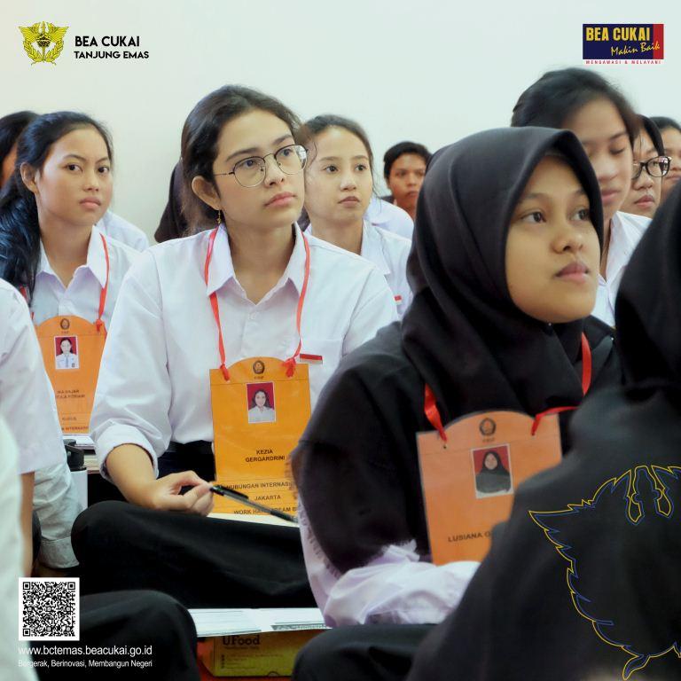 Kelas Inspirasi : Ulas Trans-national Organized Crime bersama HI UNDIP